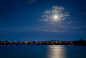 Bridge-Moon_2874-72