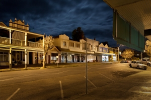 Gundagai-night_Street_1656-72